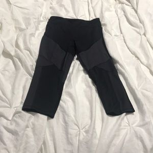 Champion 3/4 Cut Work Out Pants